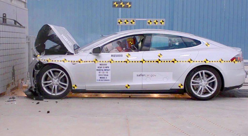Краш-тест Tesla Model S