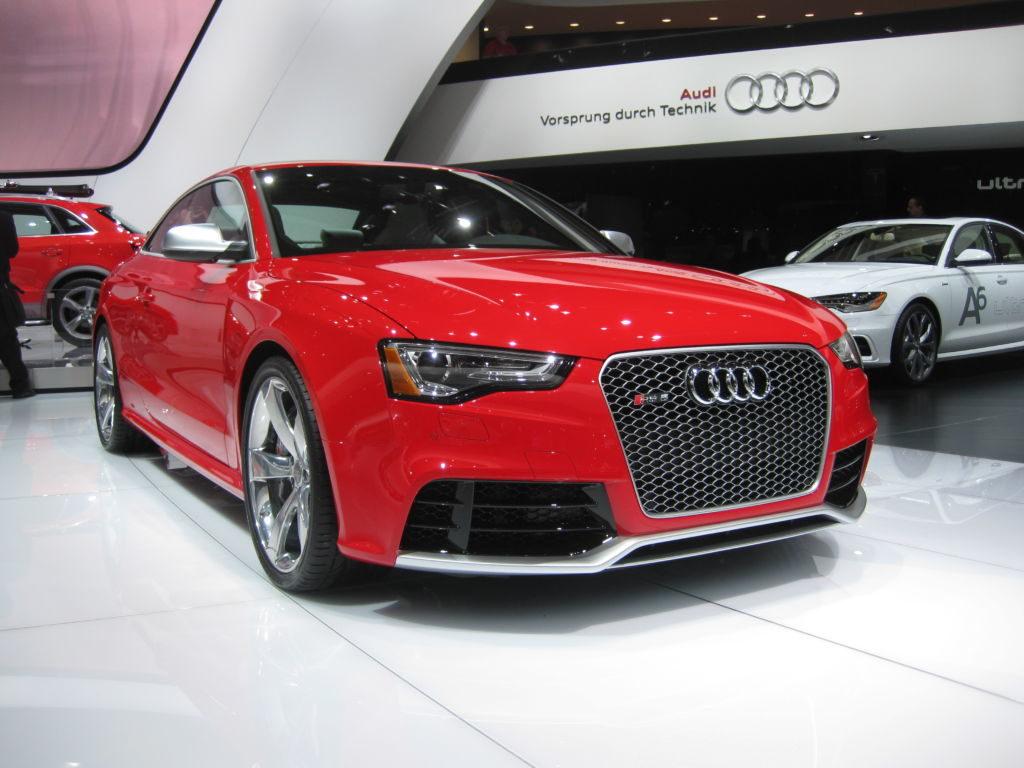 На 64 автосалоне во Франкфурте представили рестайлинговую версия Audi RS5 2012