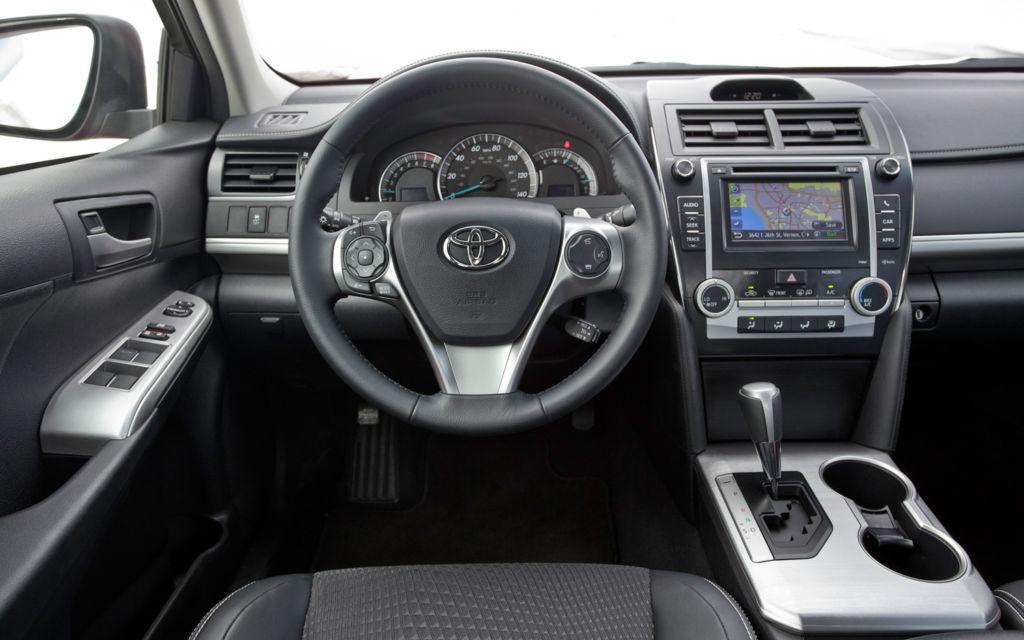 Обзор Toyota Camry 2012