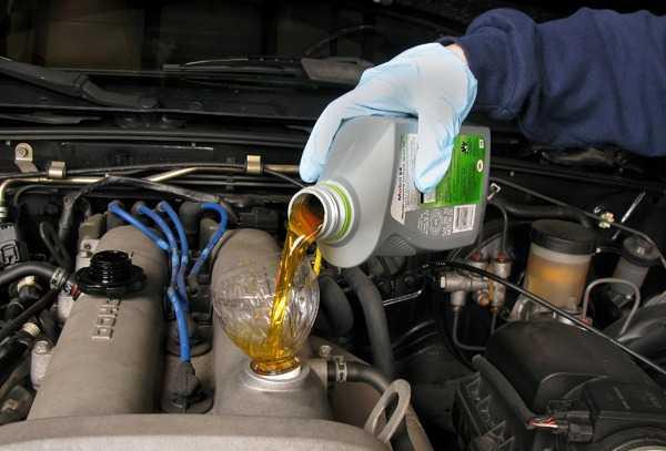 Как поменять масло двигателя автомобиля