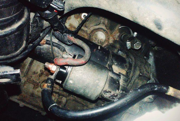 стартер щелкает но не крутит двигатель