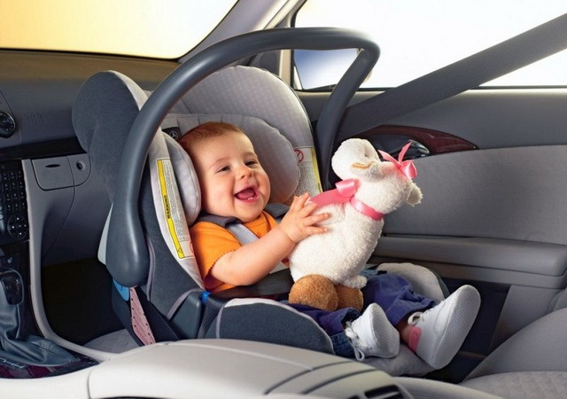 как крепится бустер для ребенка в машину